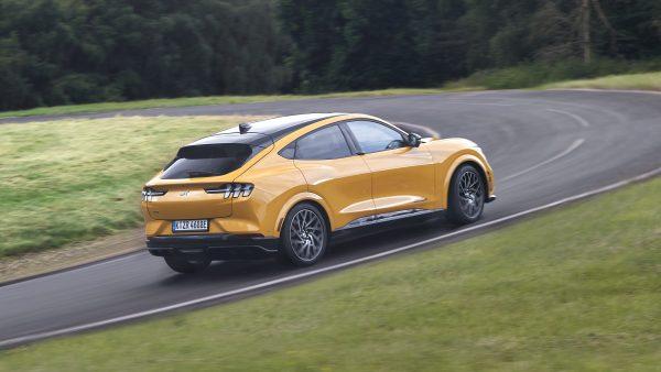 Tutto il piacere della guida… elettrificato Mustang Mach-E GT - Unicar Spa
