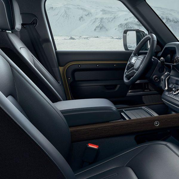 Nuova Land Rover Defender e Defender 90 ti aspettano da Unicar